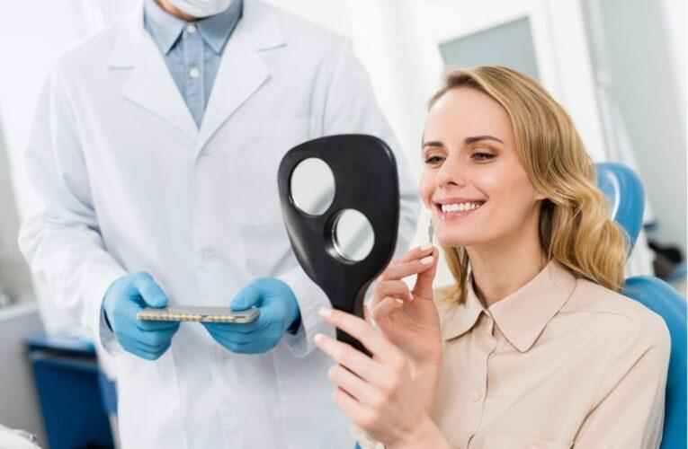 Sonríe una vez más, y cómete el mundo: Clínica Dental Helident